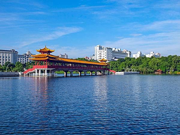 湖南长沙烈士公园迎丰桥